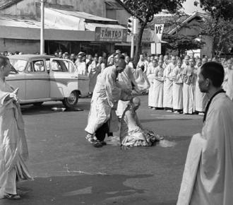 The burning monk, 1963 (2).jpg