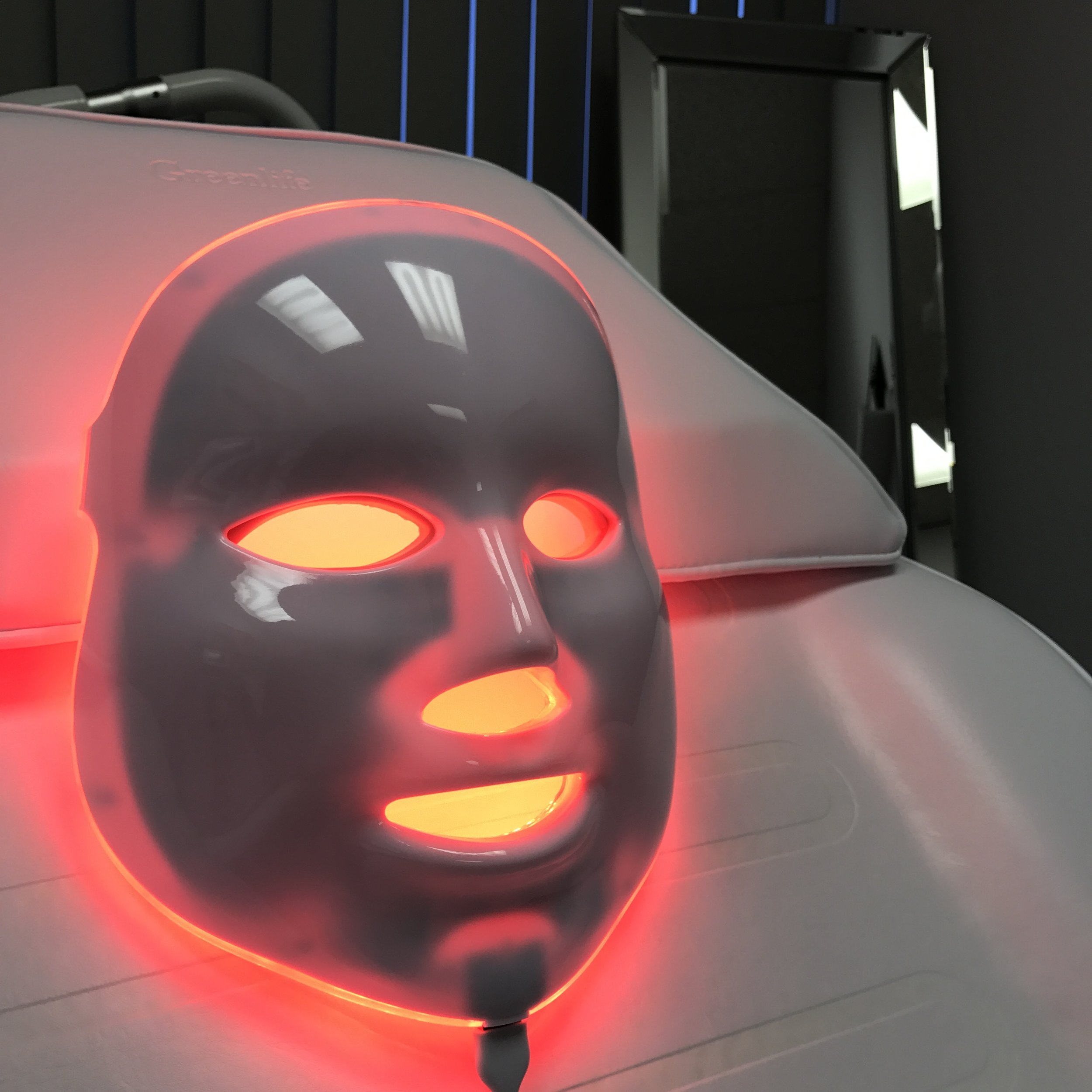 led light therapy facial dermaenvy skincare