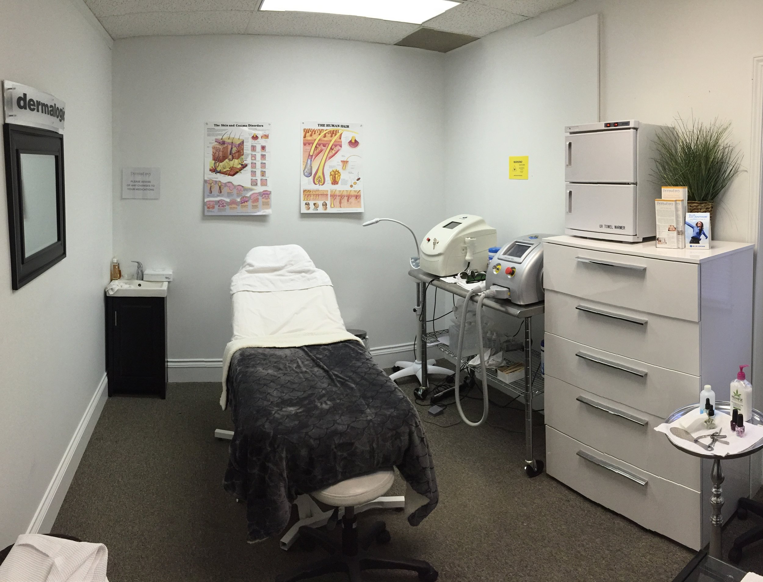 dermaenvy skincare franchise treatment room
