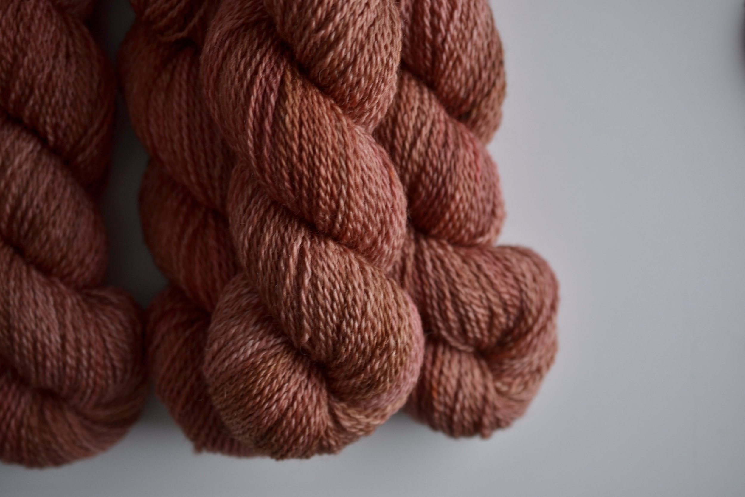 it's Down to the Wire again, on Mooresburg DK. This time, it came out with brilliant streaks of coral pink in there...obviously I cannot stop staring at it.