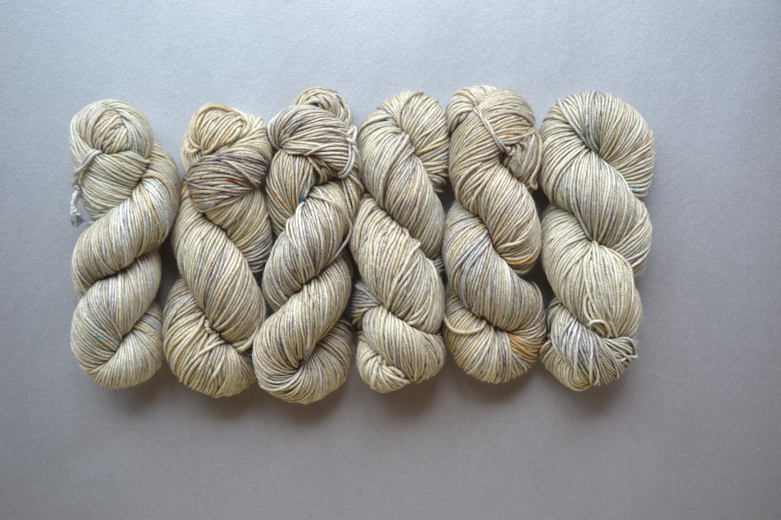 the precious vintage Viola MCN Worsted in GHOST