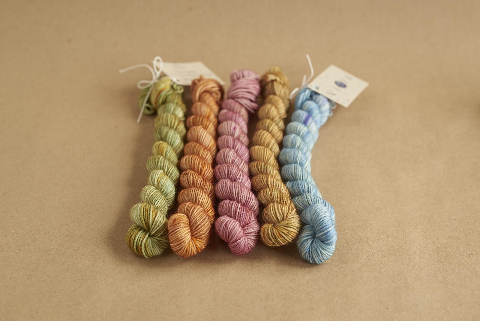 SUMMERTIME - scrappy sock kit