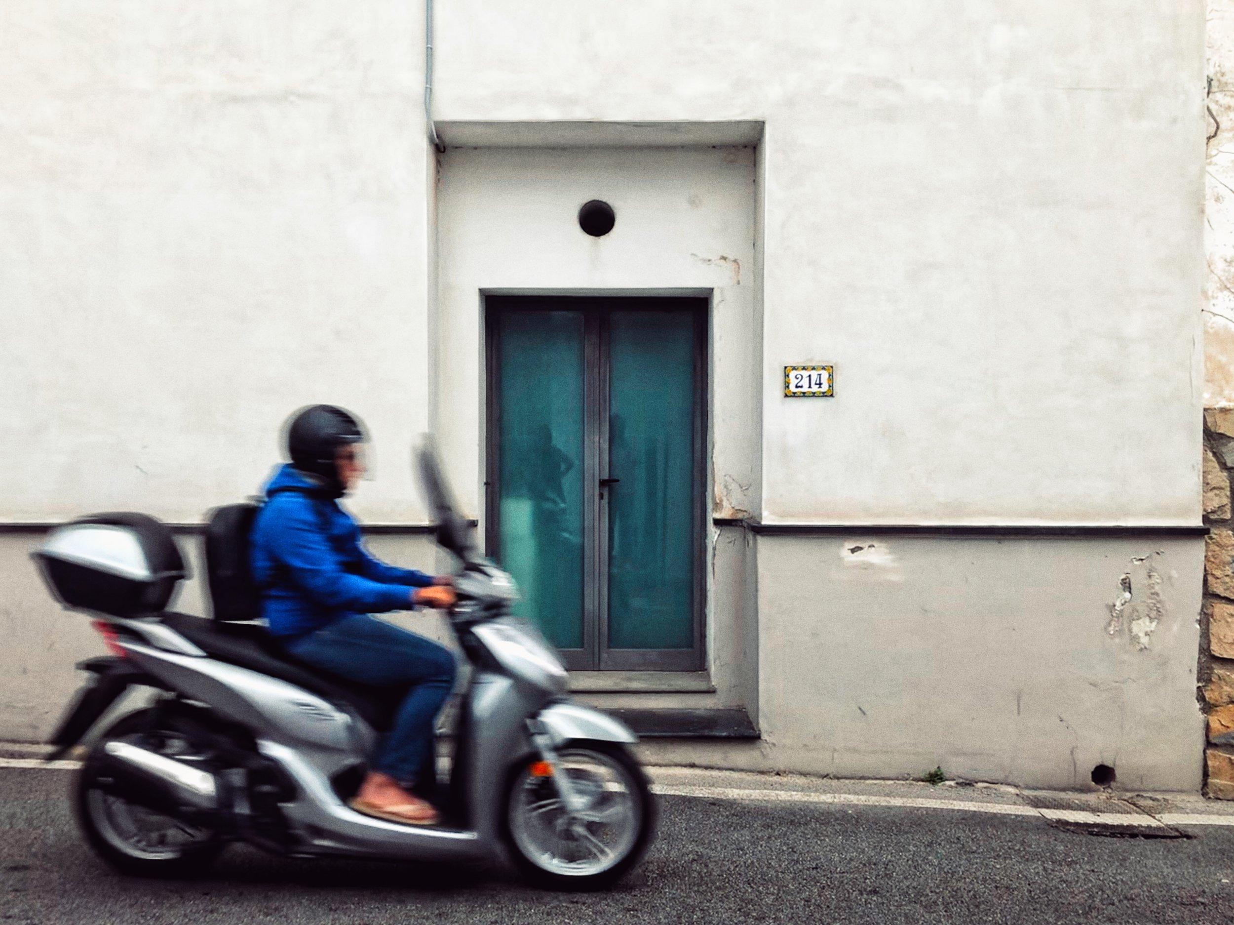 positano-motorbike.jpg