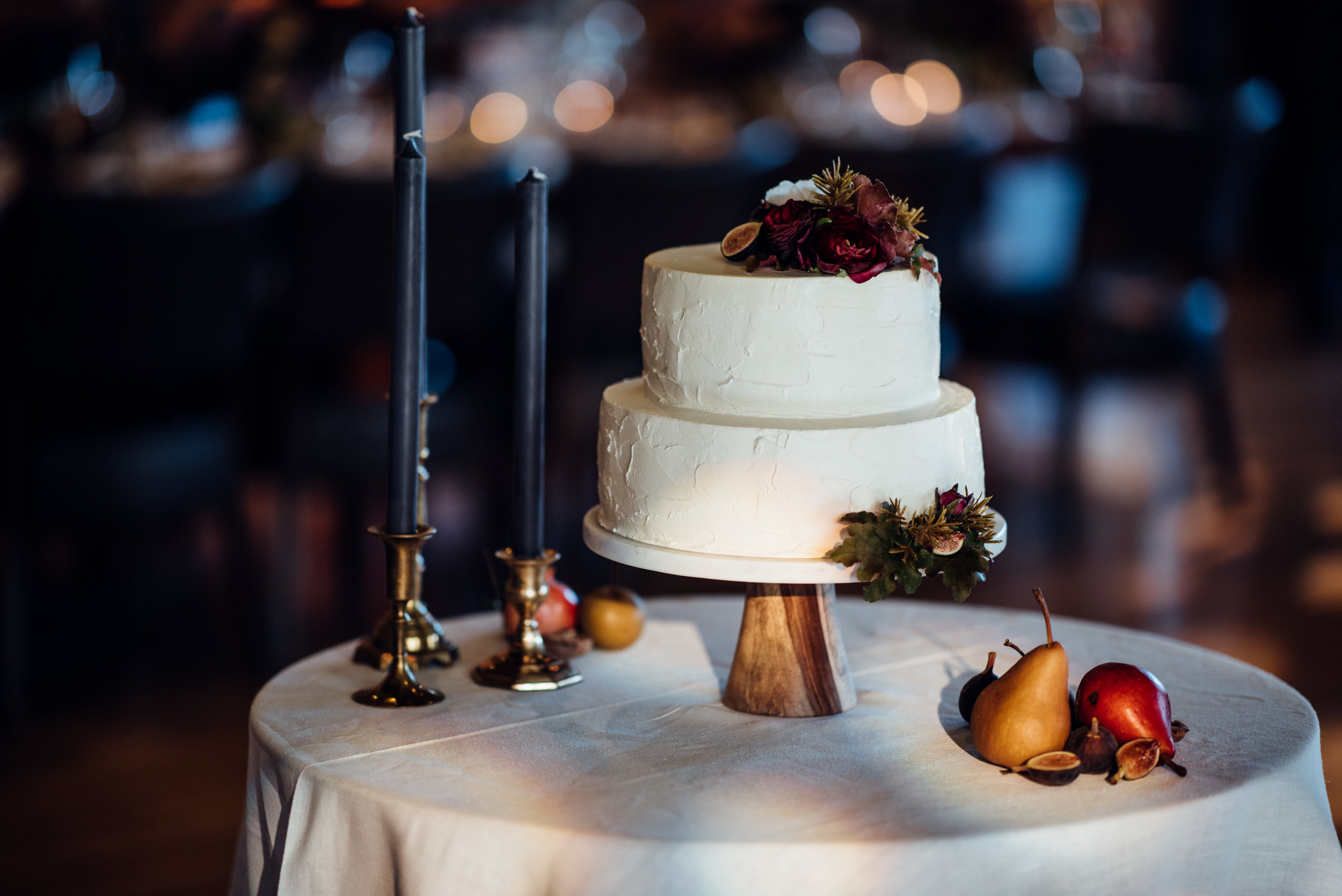 dutch-modern cake by Cake Bloom - Duy Ho Photography