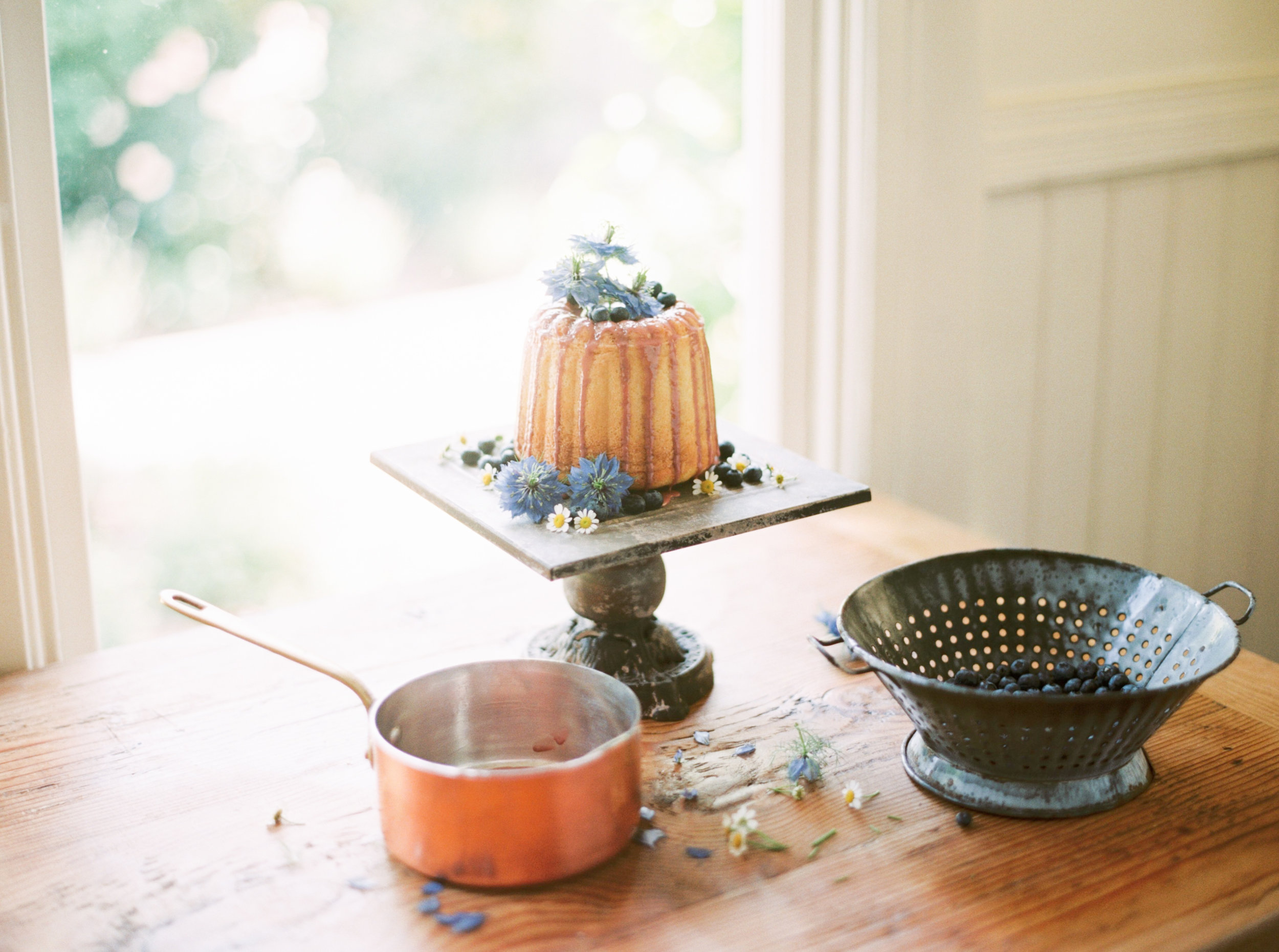 blueberry drip bundt cake-cakebloom-sonoma