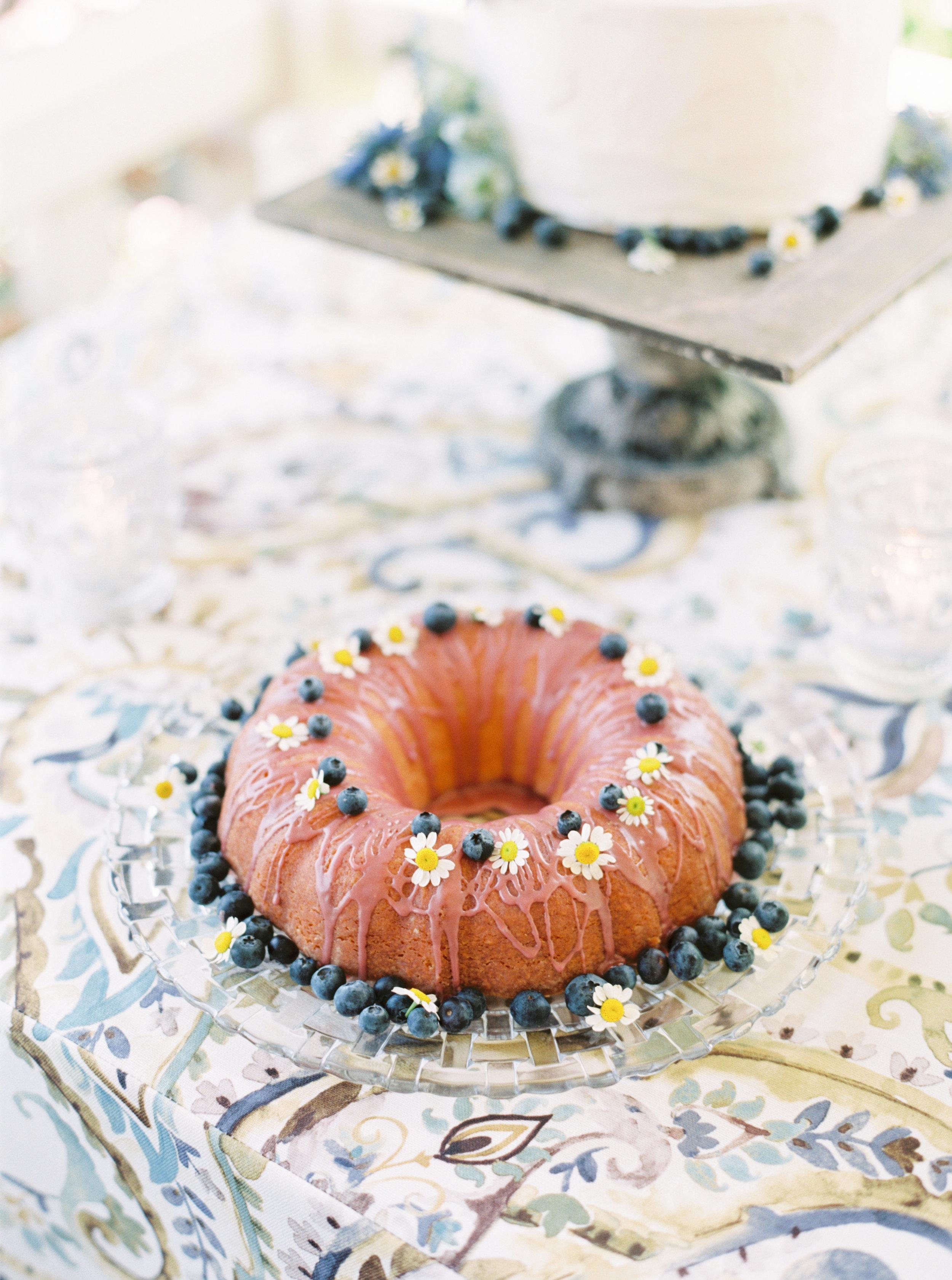 Blueberry bundt cake-Cake Bloom-spring wedding-maysonnave house-sonoma wedding