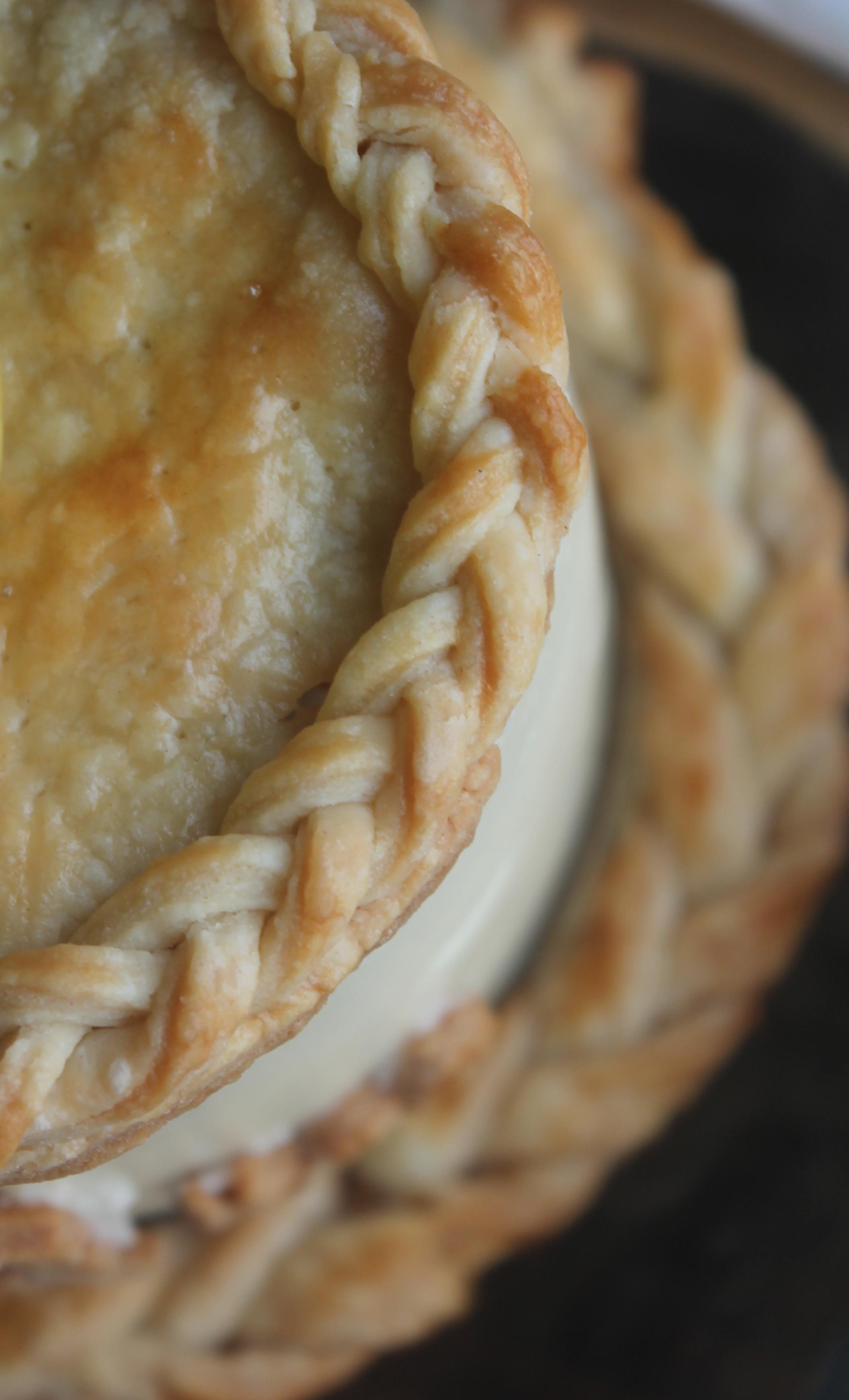 Apple Pie Cake crust by Cake Bloom