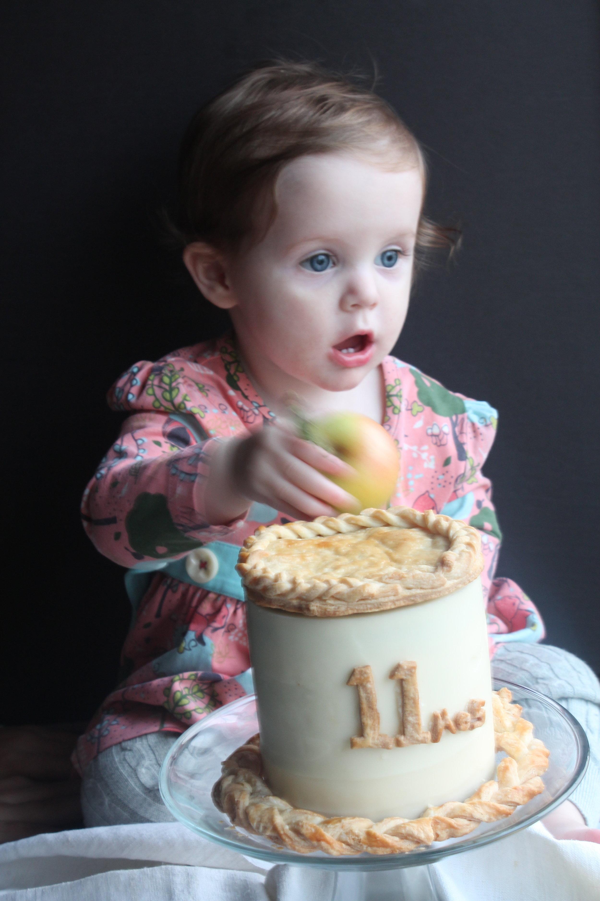 Baby Cake 11: Apple Pie Cake for fall smash cake idea