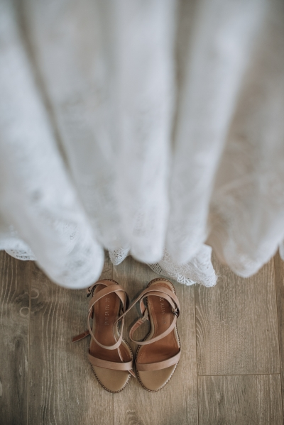 004-elegant-wedding-at-wills-domain-winery-by-freedom-garvey-warr-400x599.jpg