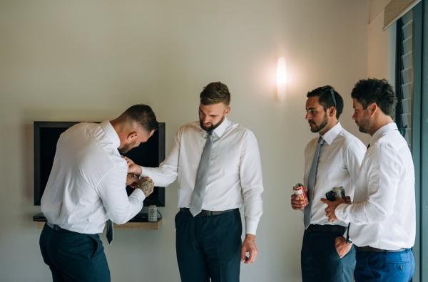 018-elegant-wedding-at-wills-domain-winery-by-freedom-garvey-warr-600x396.jpg