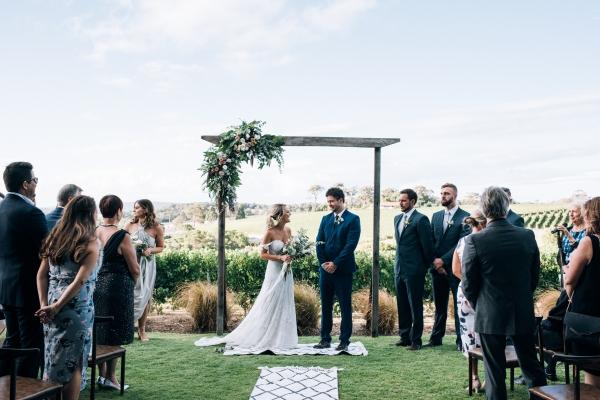076-elegant-wedding-at-wills-domain-winery-by-freedom-garvey-warr-600x400.jpg