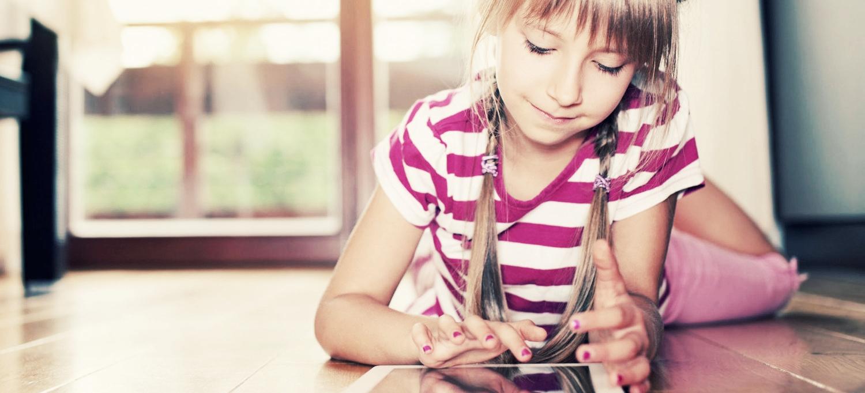 Girl_iPad_v01.jpg