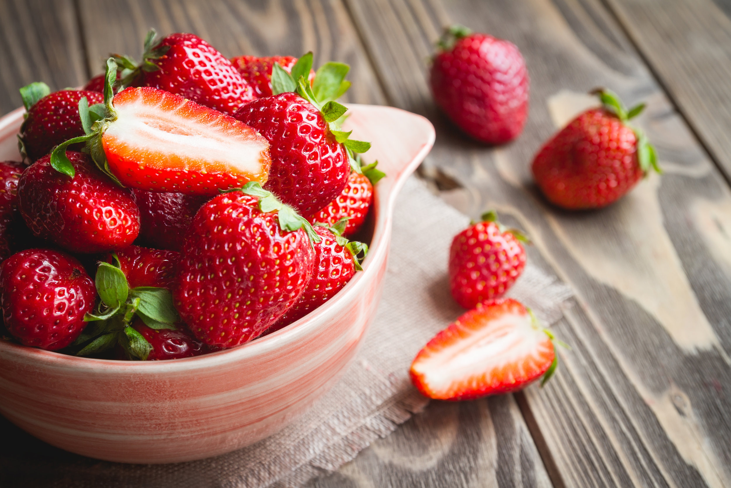 shutterstock_408781099(strawberry).jpg