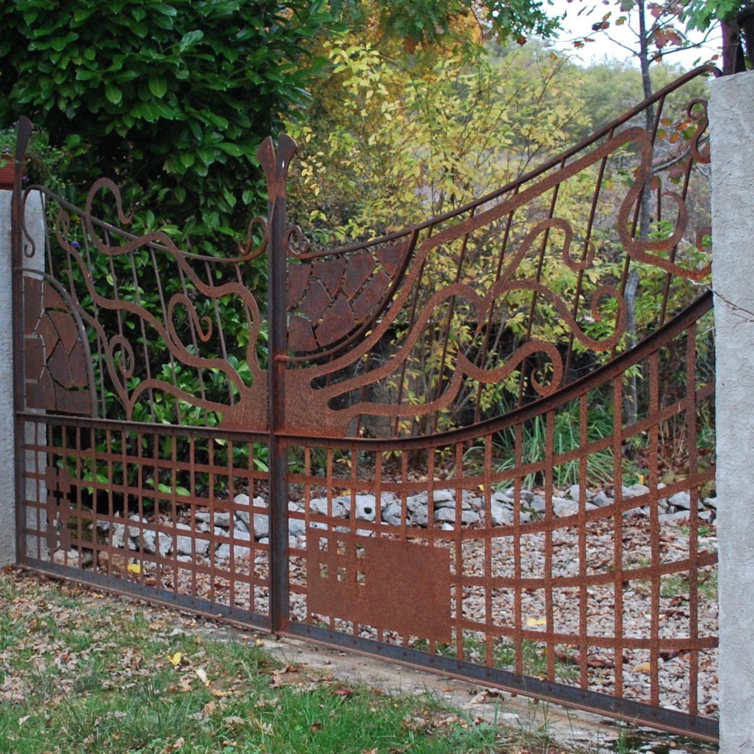 Freeform Metal Gates