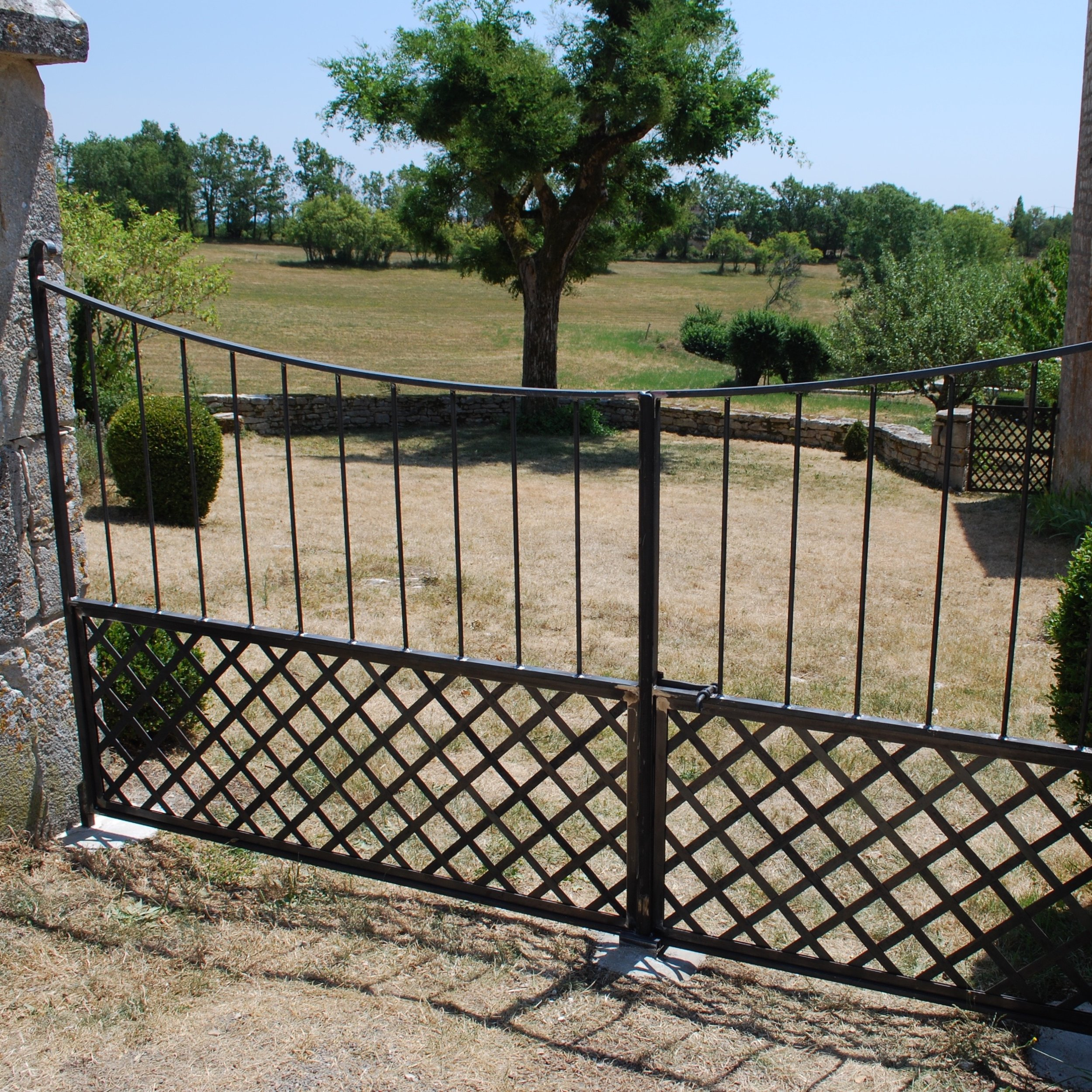 Traditional Criss Cross Metal Gate