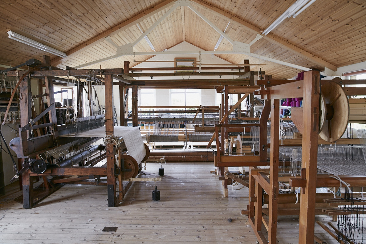 As part of Belfast Design Week, we are delighted to welcome Mourne Textiles to Maven next weekend. Mourne Textiles will be in with one of their smaller looms & a specially curated selection of coasters, placemats, cushions &scarfs to create a one off Pop-Up Shop at Maven.  Friday & Saturday: 10.00 – 17.30 / Loom & Pop-Up Shop Saturday: 11.00 – 13.00 & 14.00 – 17.00 / A unique opportunity to meetKaren &Mariofrom Mourne Textiles