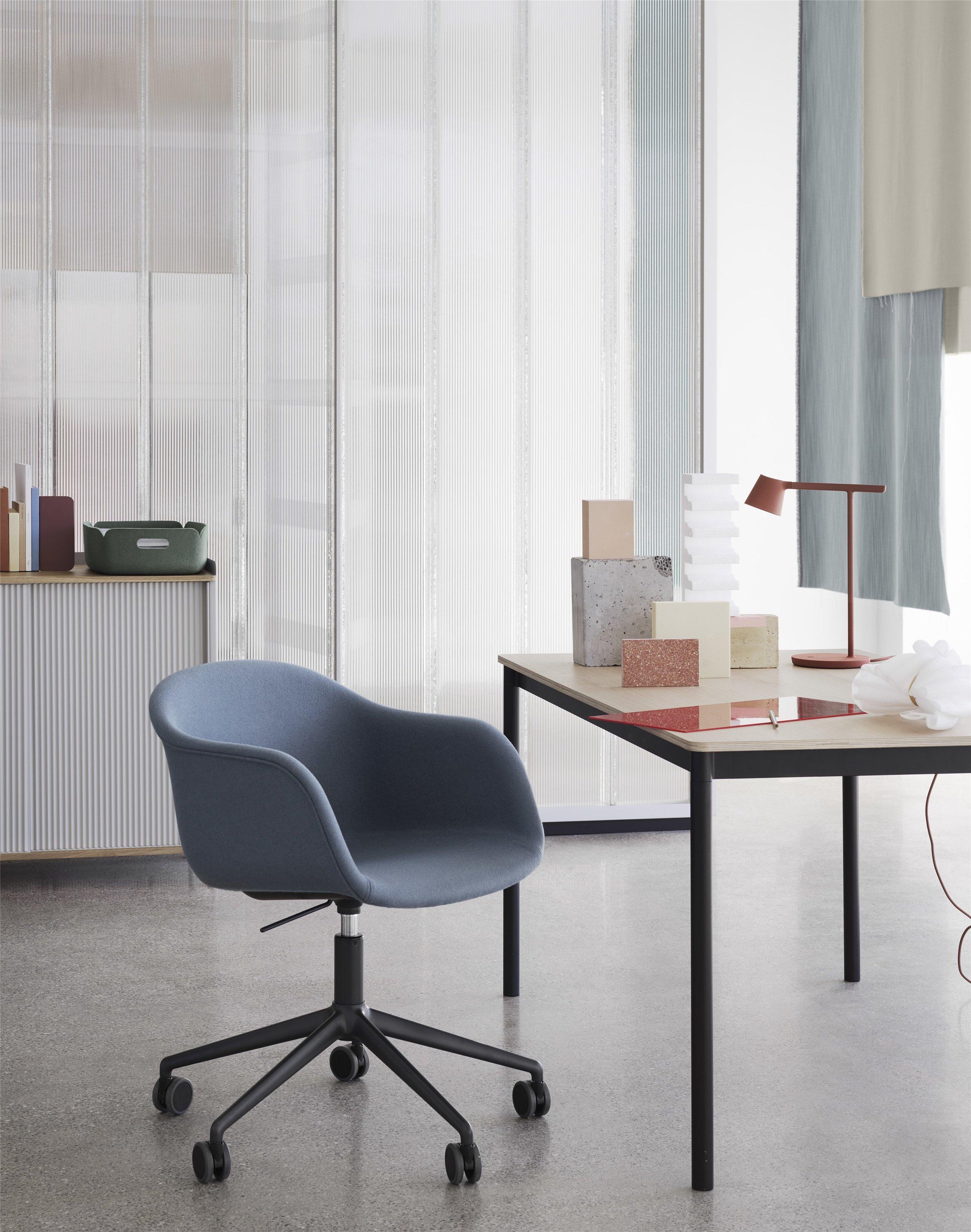 Fiber-armchair-gaslift-divina-154-base-table-tip-enfold-muuto-org_(150).jpg
