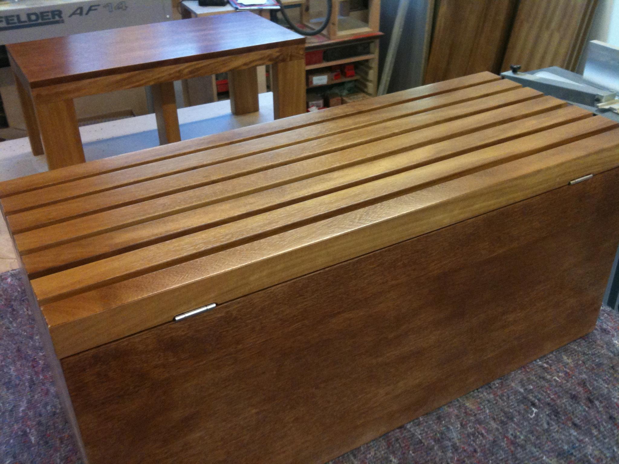 Iroko bench & table