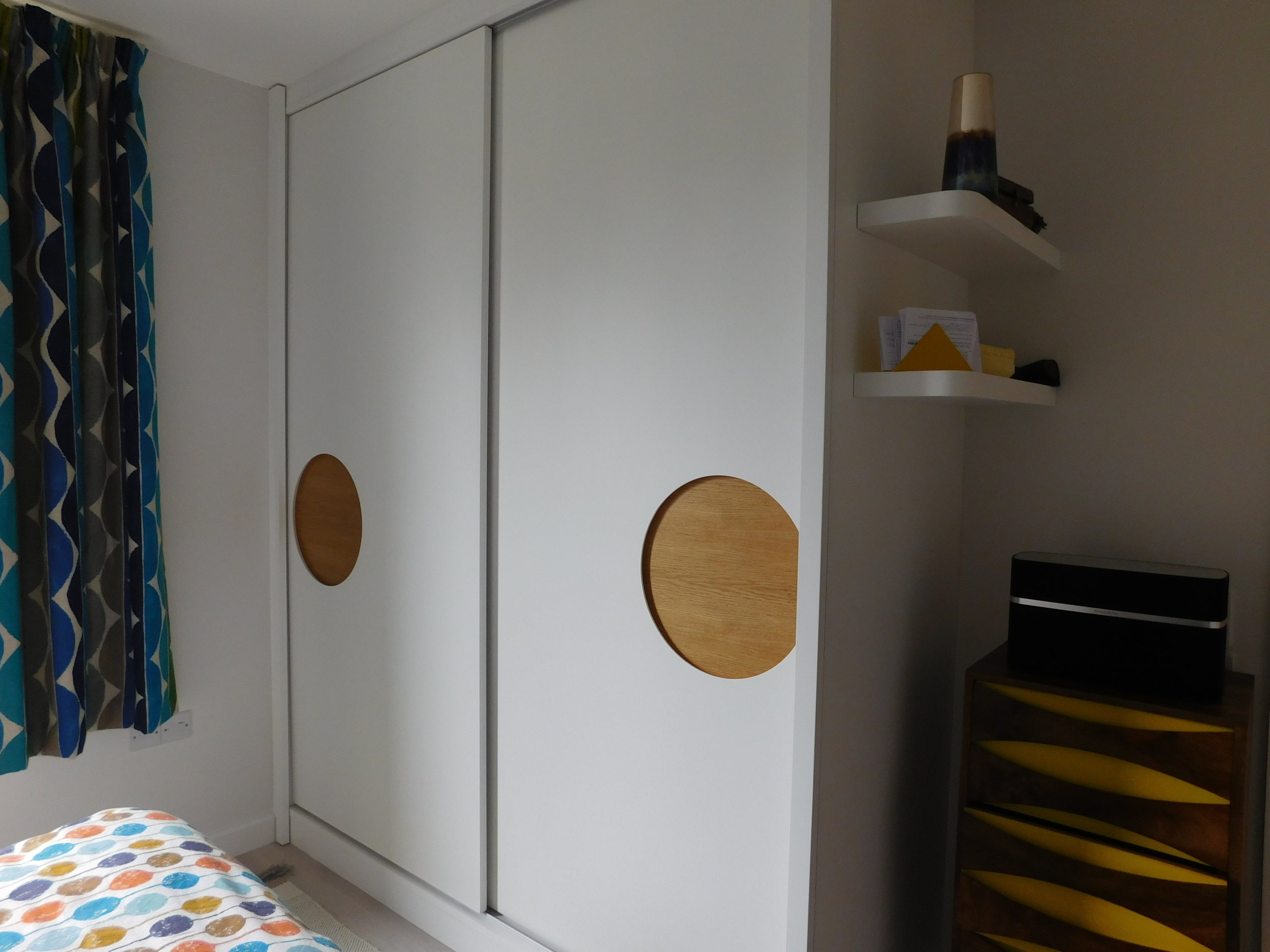 Sliding doors with Oak insets