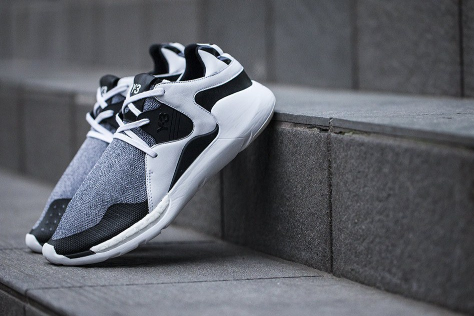 y3-qr-run-black-white-01.jpg