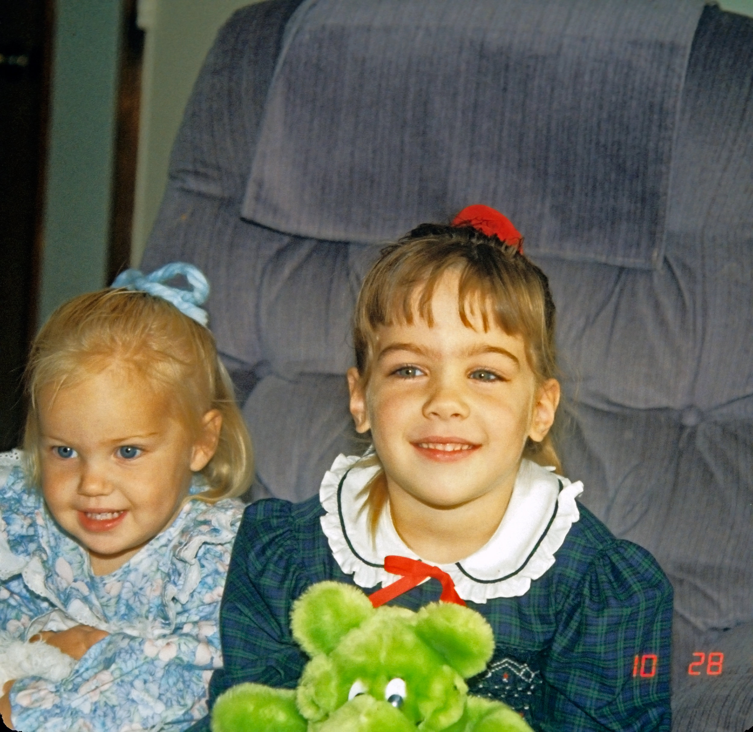 1990-Jenny-and-Amy.jpg