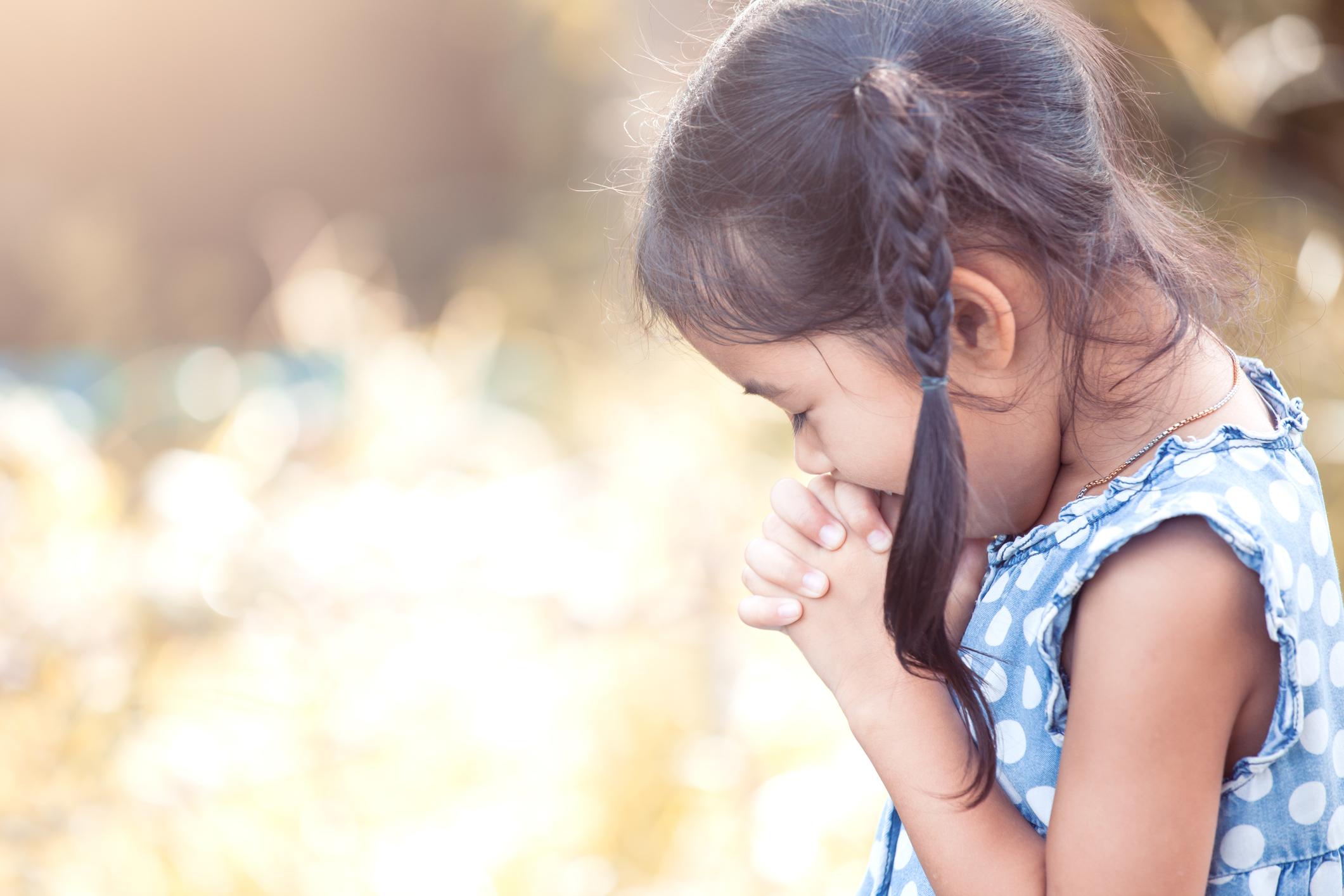 girl praying.jpg