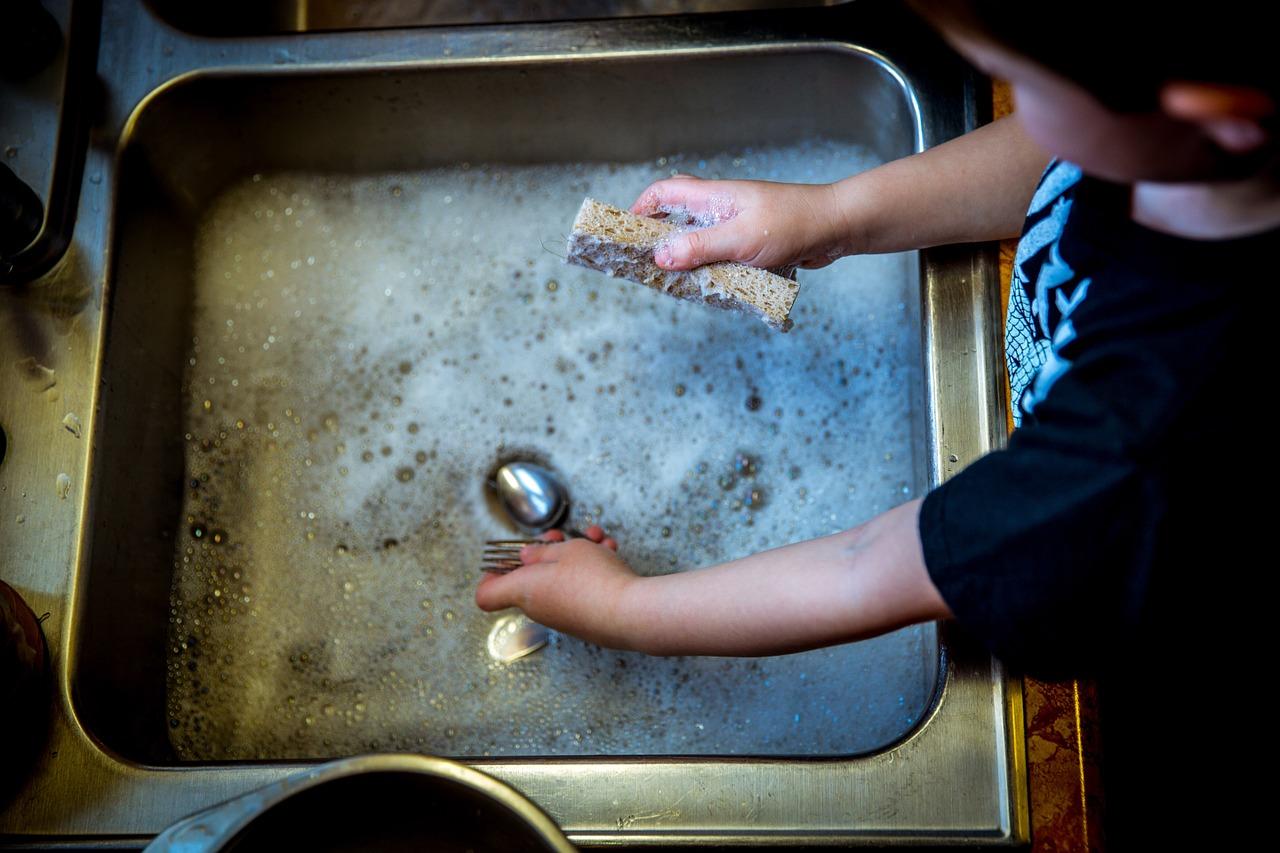 child washing dishes.jpg