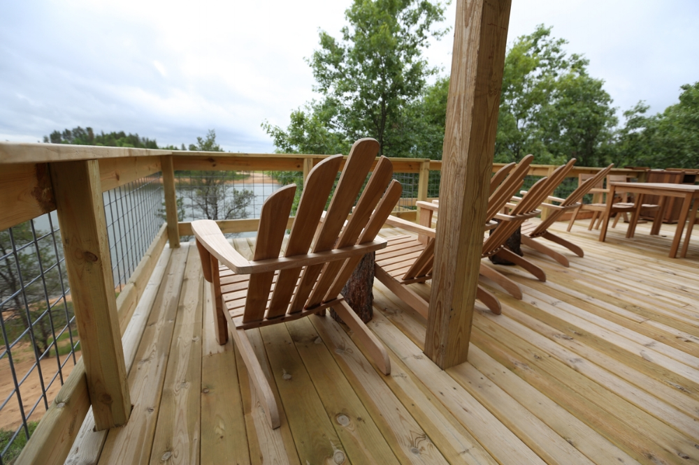 Lake Leopold Cottage Common Deck View