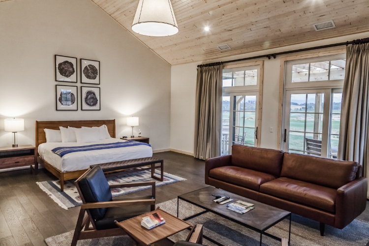 Lodging at Sand Valley - Wisconsin King Suite