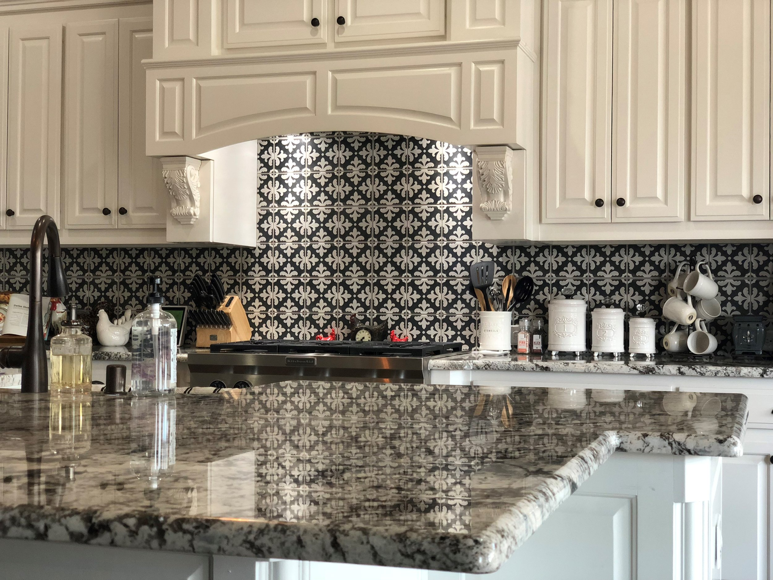 Kitchen Countertop & Backsplash.jpg