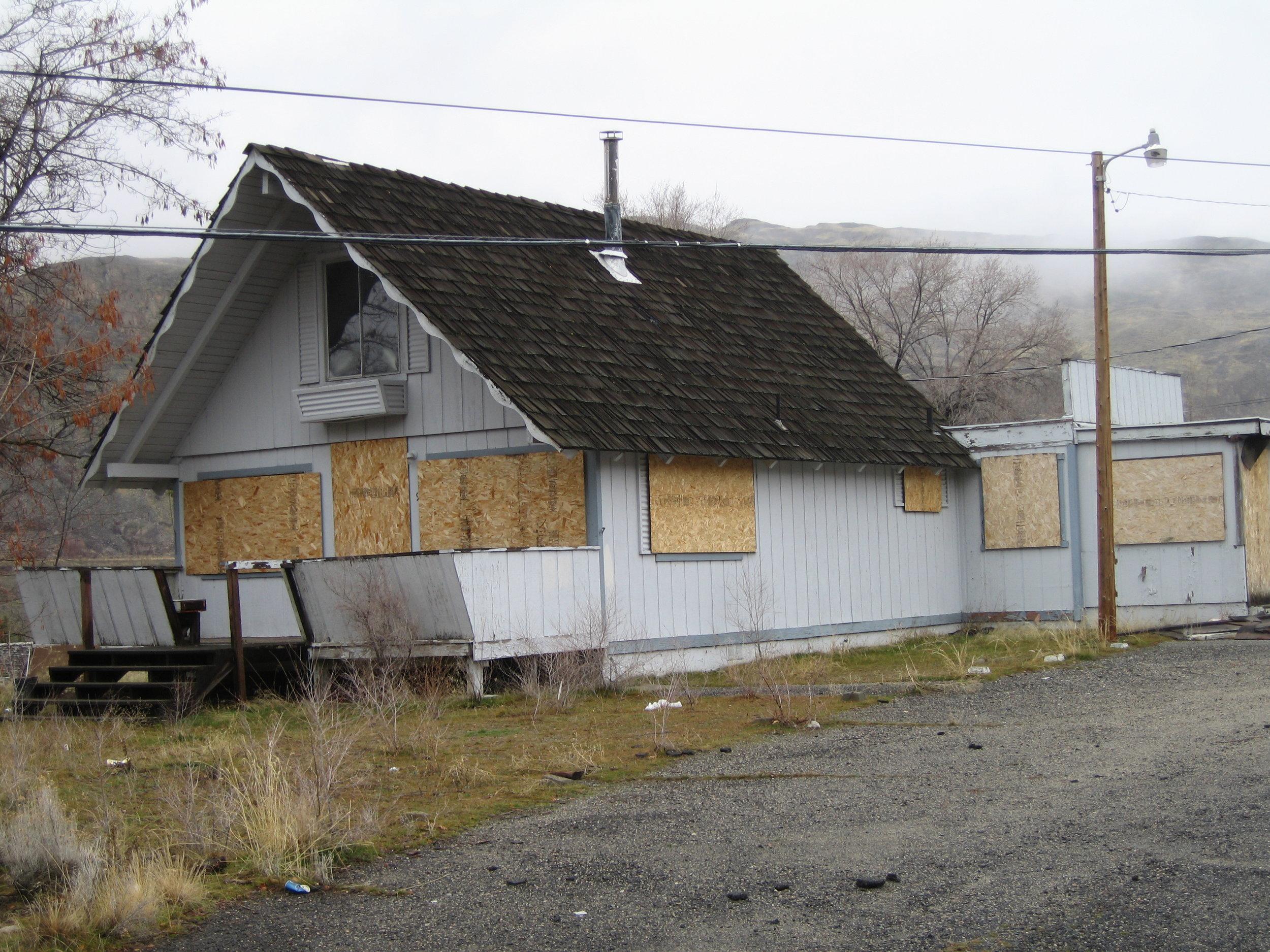 Derelict Housing 03.jpg