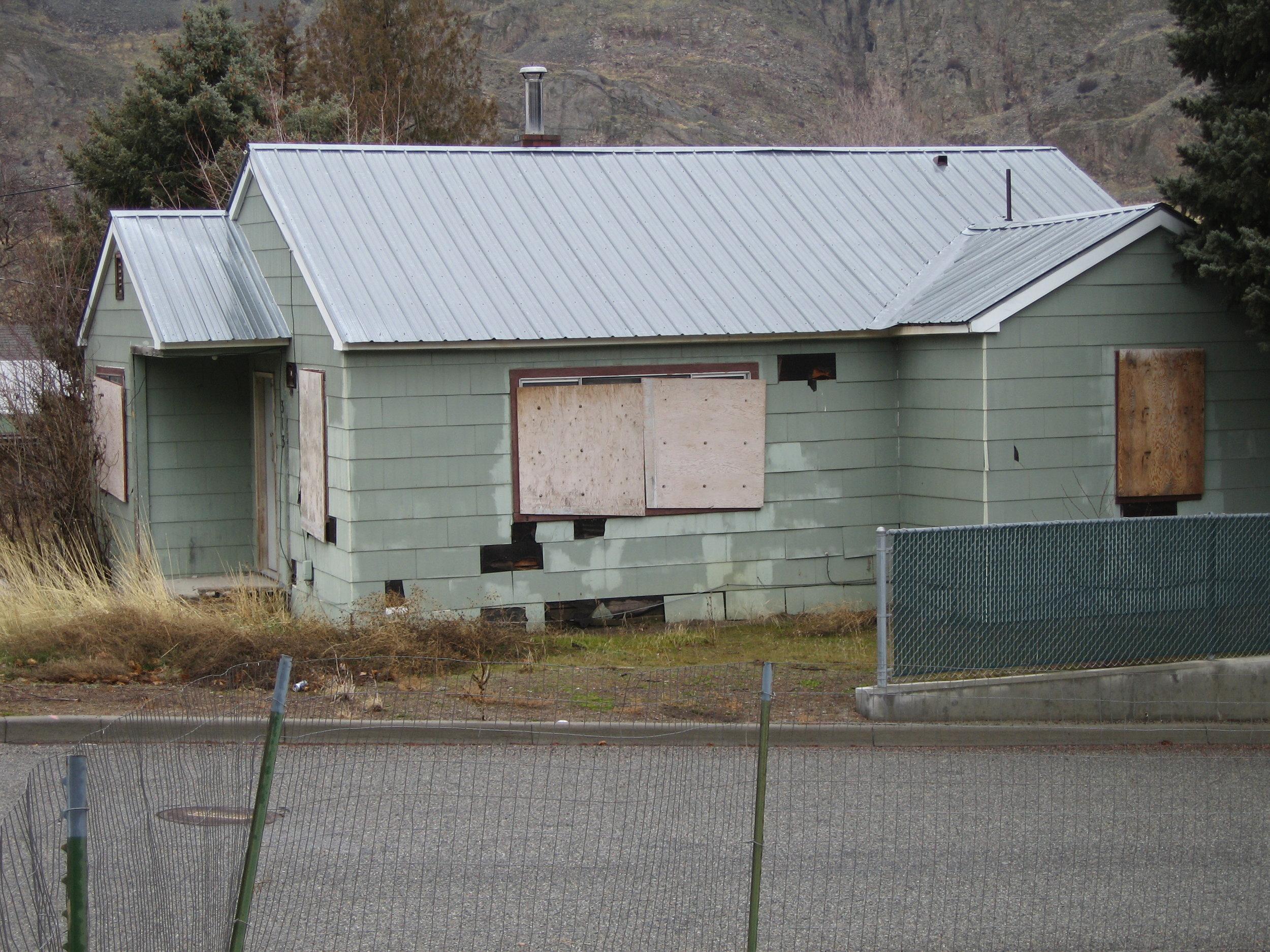 Derelict Housing 04.jpg