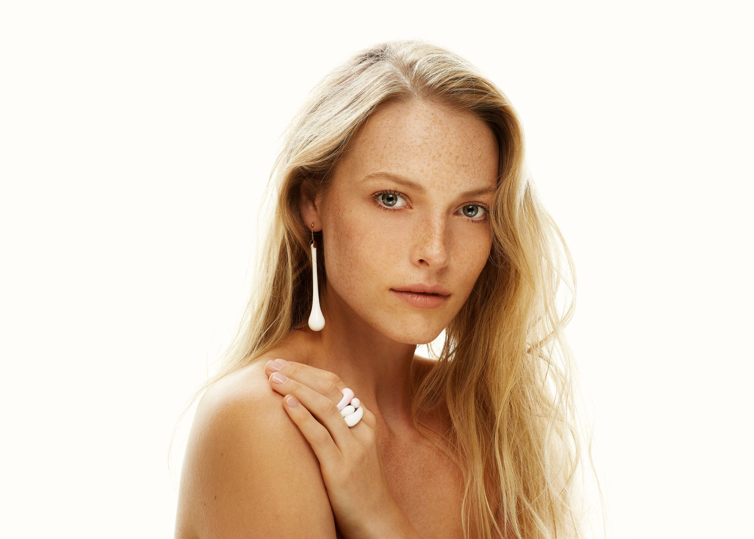Polina_for_Julia_Altshuler_Jewelry_1.jpg