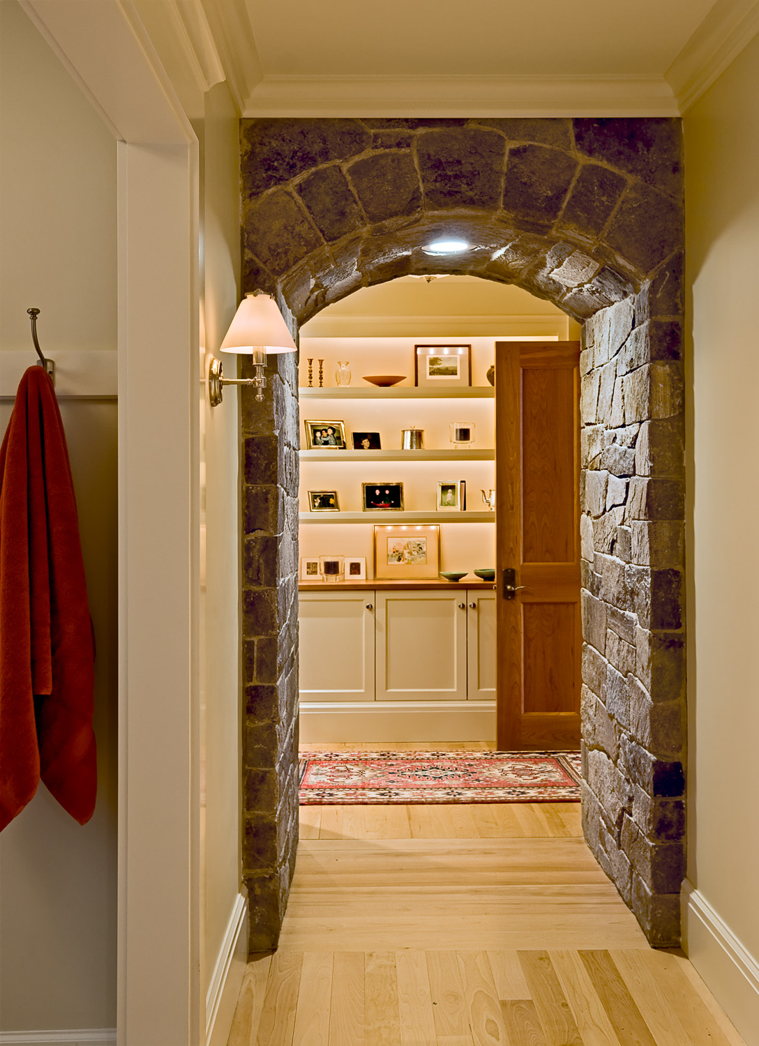 17 Looking through bedroom arch.jpg