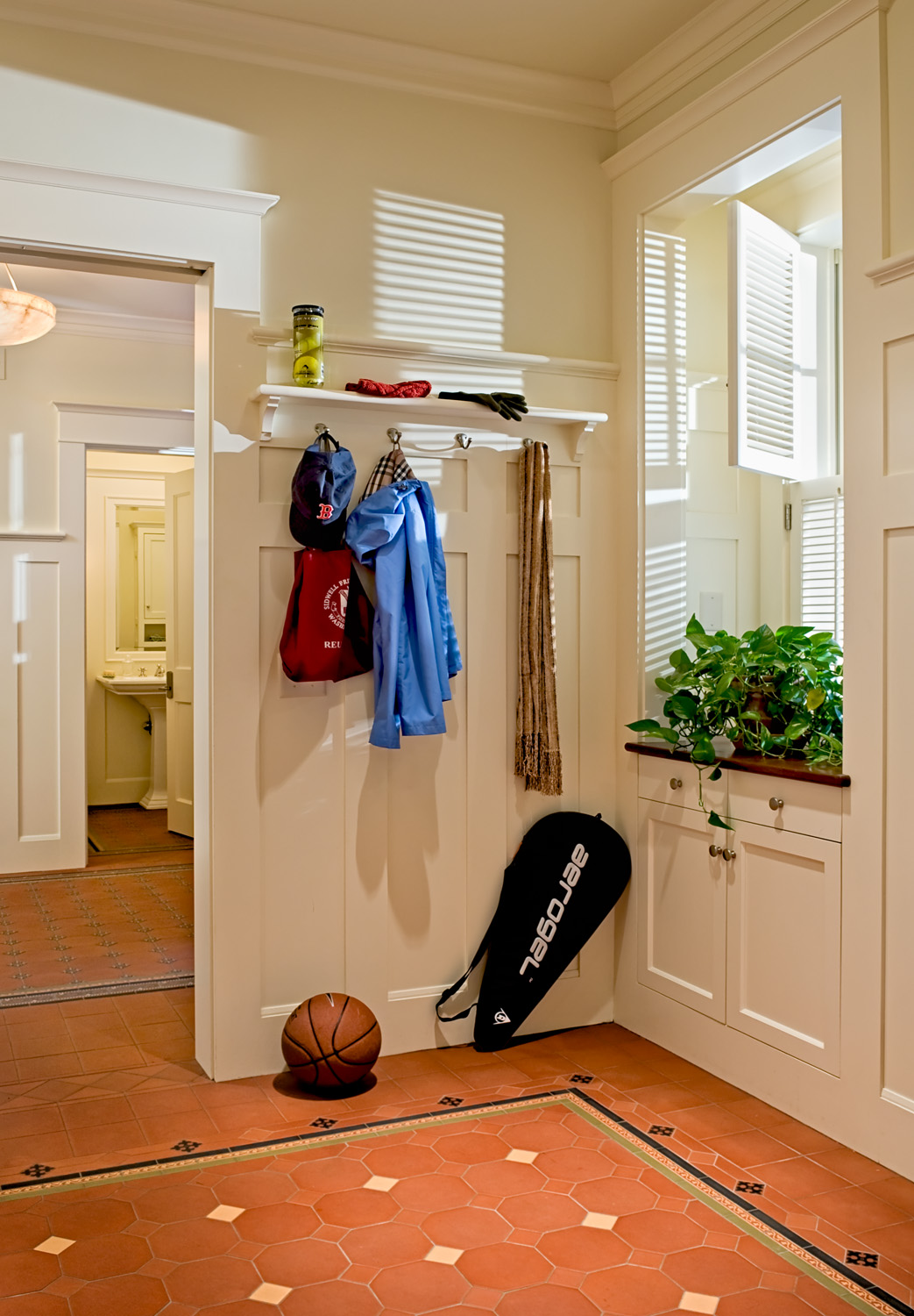 27 Mudroom detail.jpg