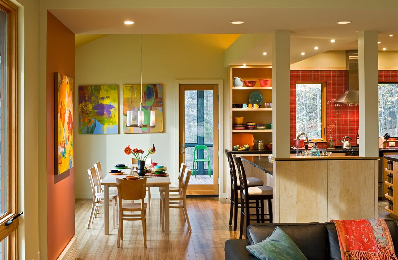 04 From living room toward dining room 2.jpg