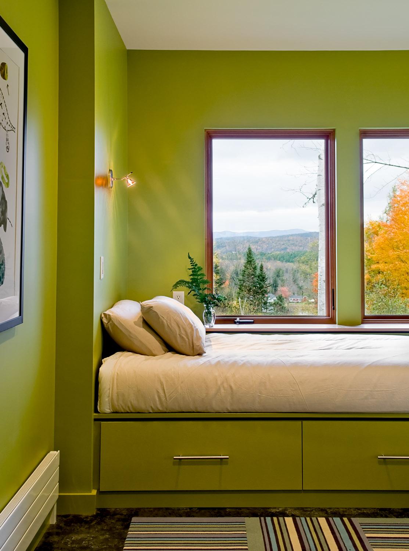 17 Guest bedroom detail.jpg