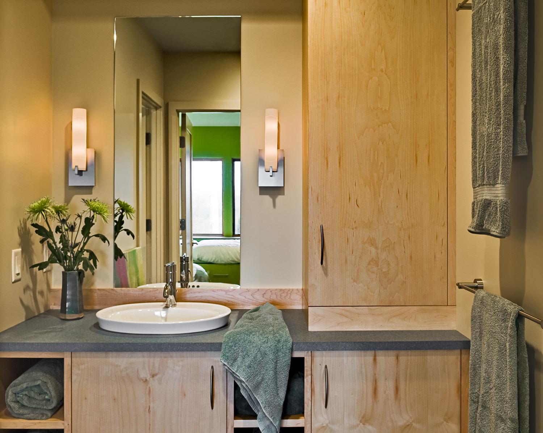 18 Guest bathroom detail.jpg