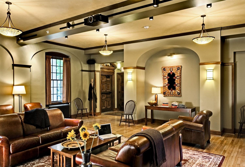 04 Smith and Vansant 09_20091007_3590_Zetz living room overall.jpg