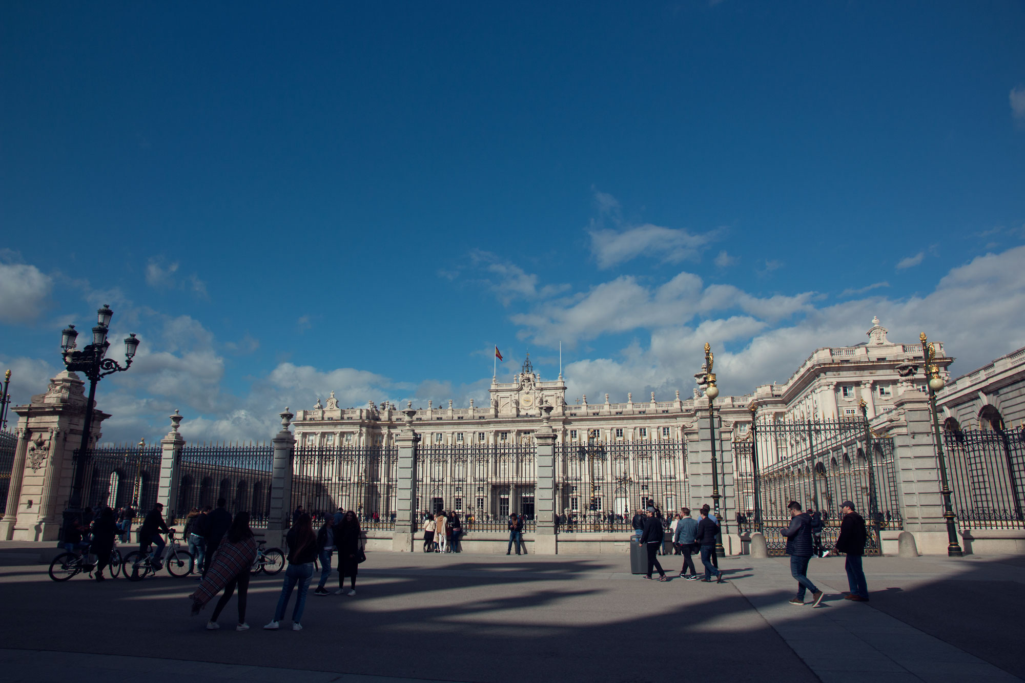 Royal Palace, Madrid - Looks a lot like Buckingham Palace!