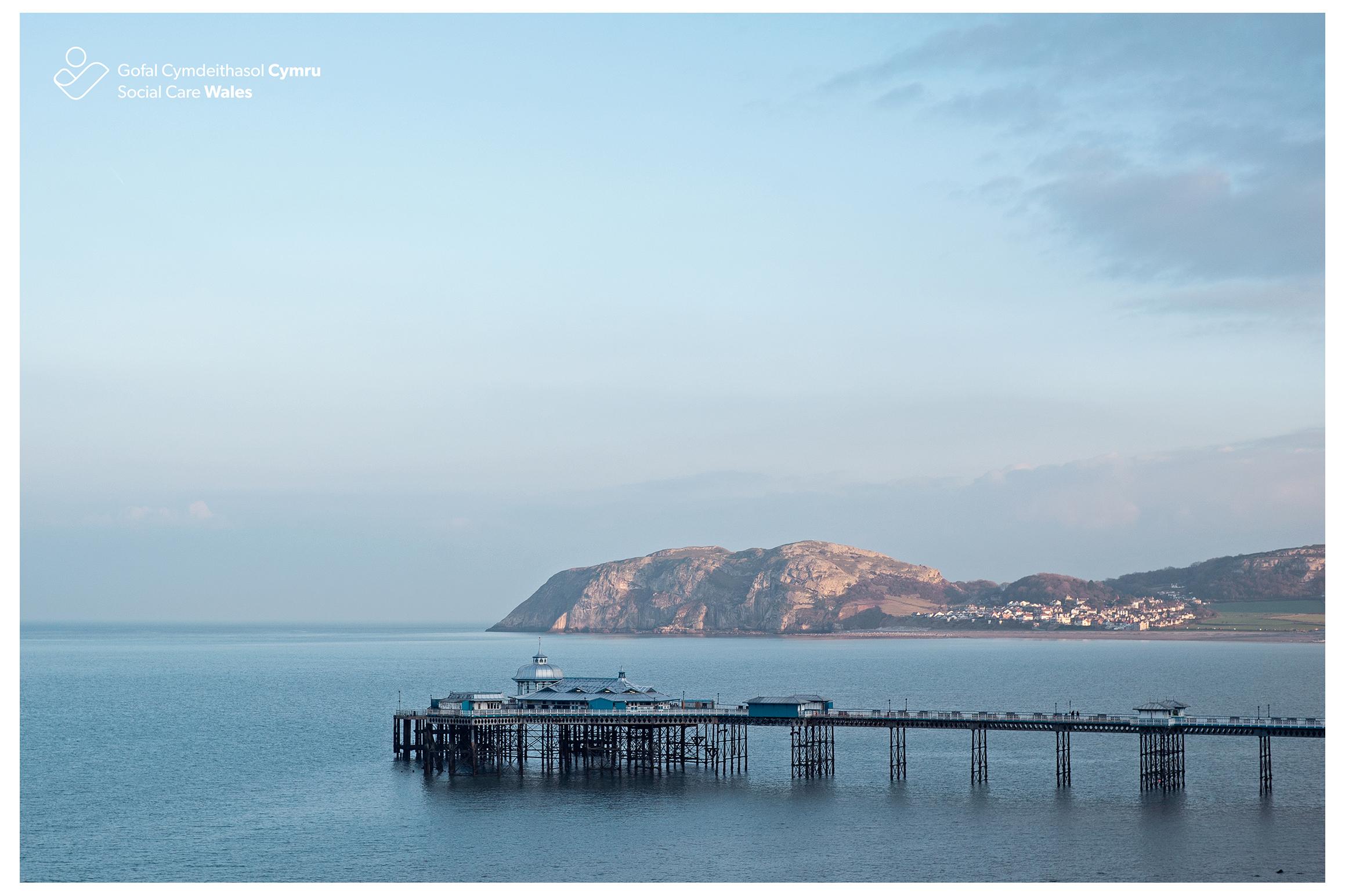 Llandudno Pier, North Wales.jpg