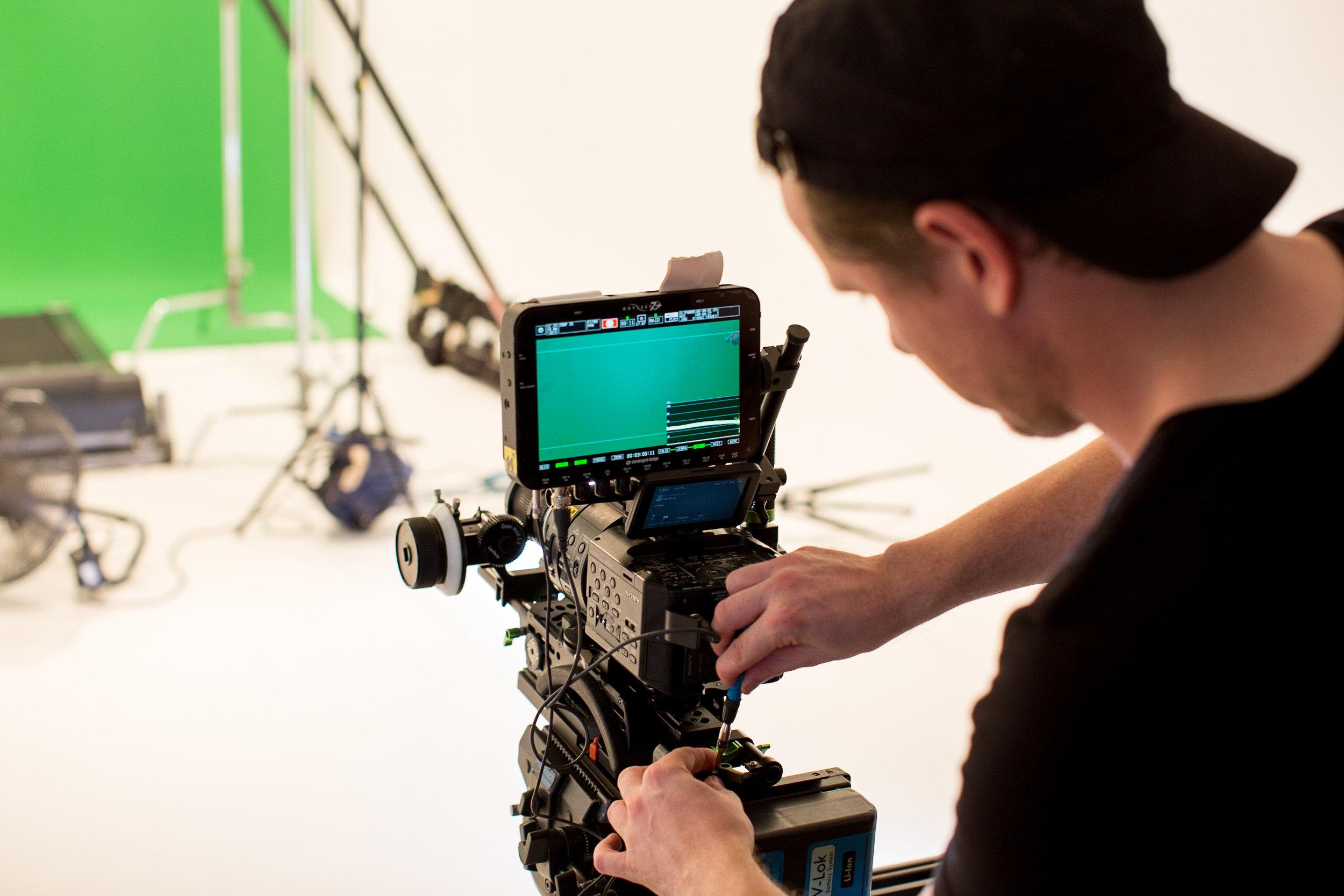 Ossur Behind the Scenes-143.jpg