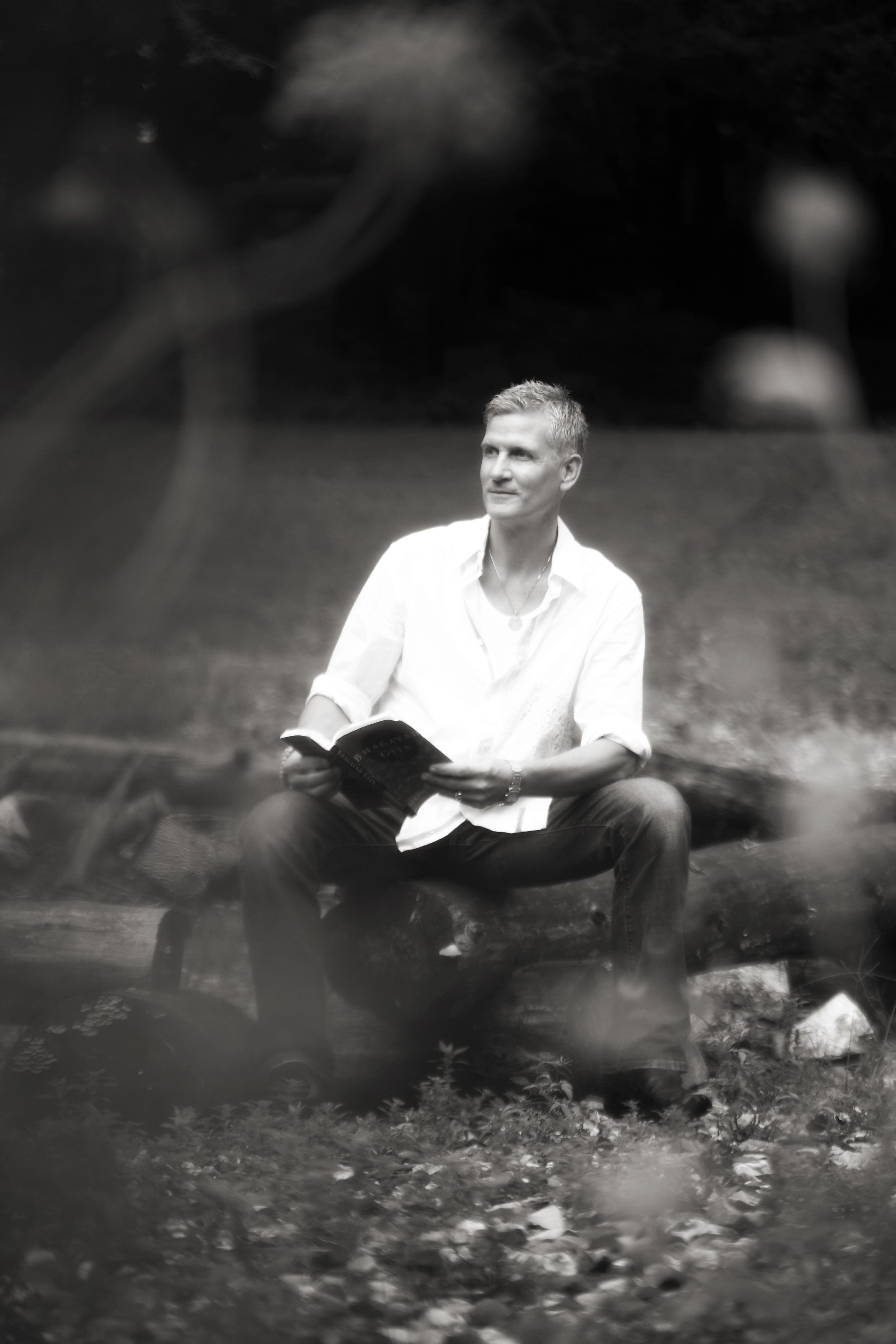 A-Course-In-Miracles-Devarshi-Steven-Hartman.jpg
