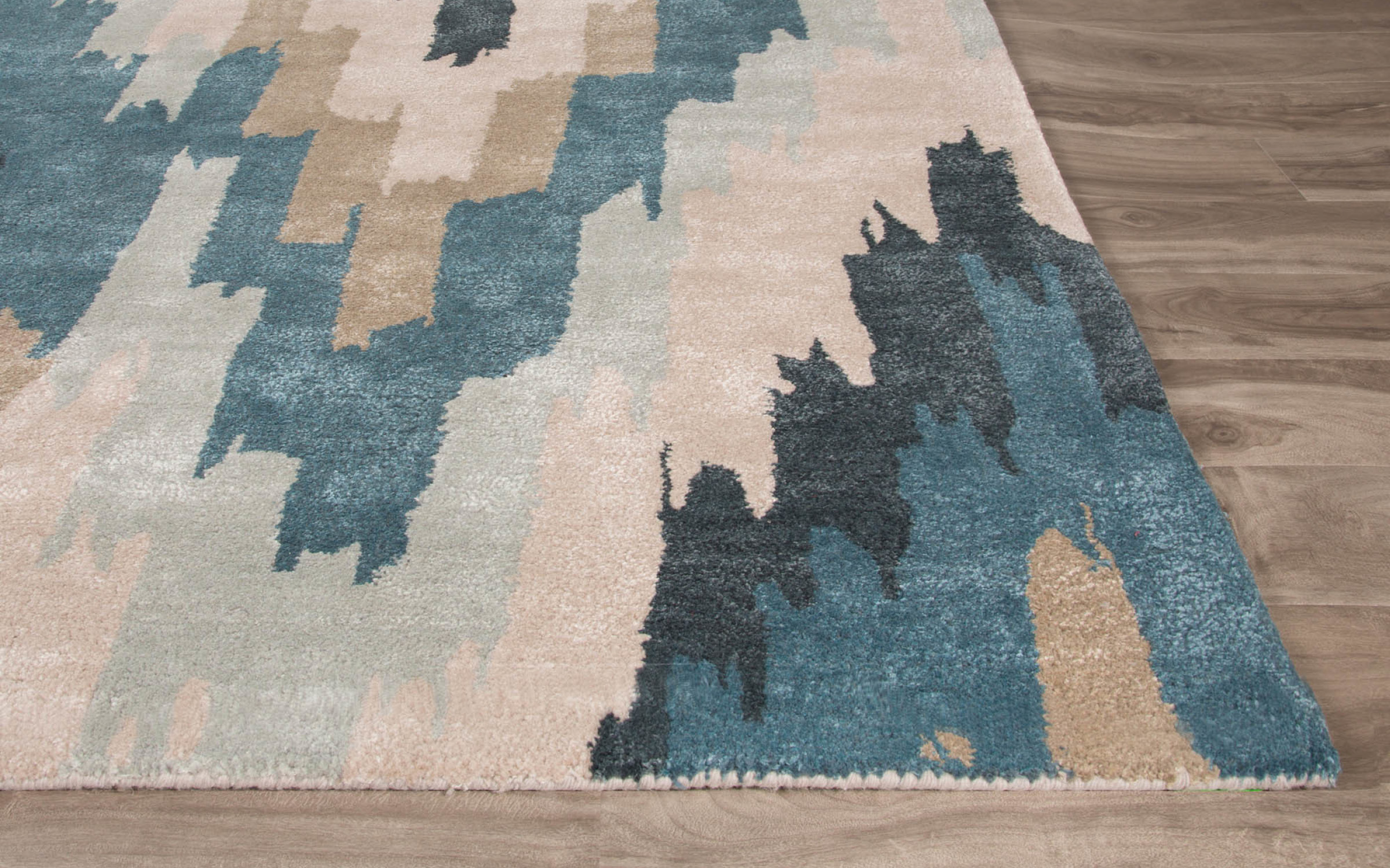 Geometric Woven Area Rug | iFurnish, Frisco, CO