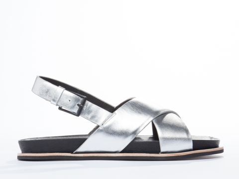I-Desire-The-Things-That-Will-Destroy-Me-shoes-Oolong-(Silver)-010604.jpg