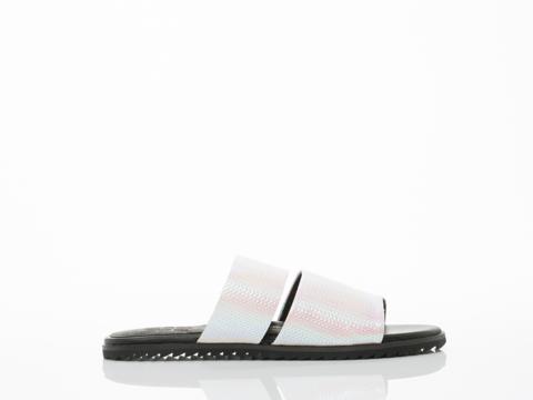YES-shoes-Clinton-2-(Falcor)-010604.jpg