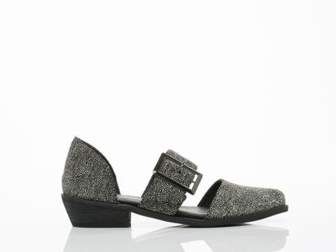 YES-shoes-Kharan-(Black-White-Stingray)-010604.jpg