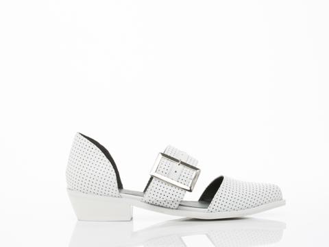 YES-shoes-Kharan-(White-Perf)-010604.jpg