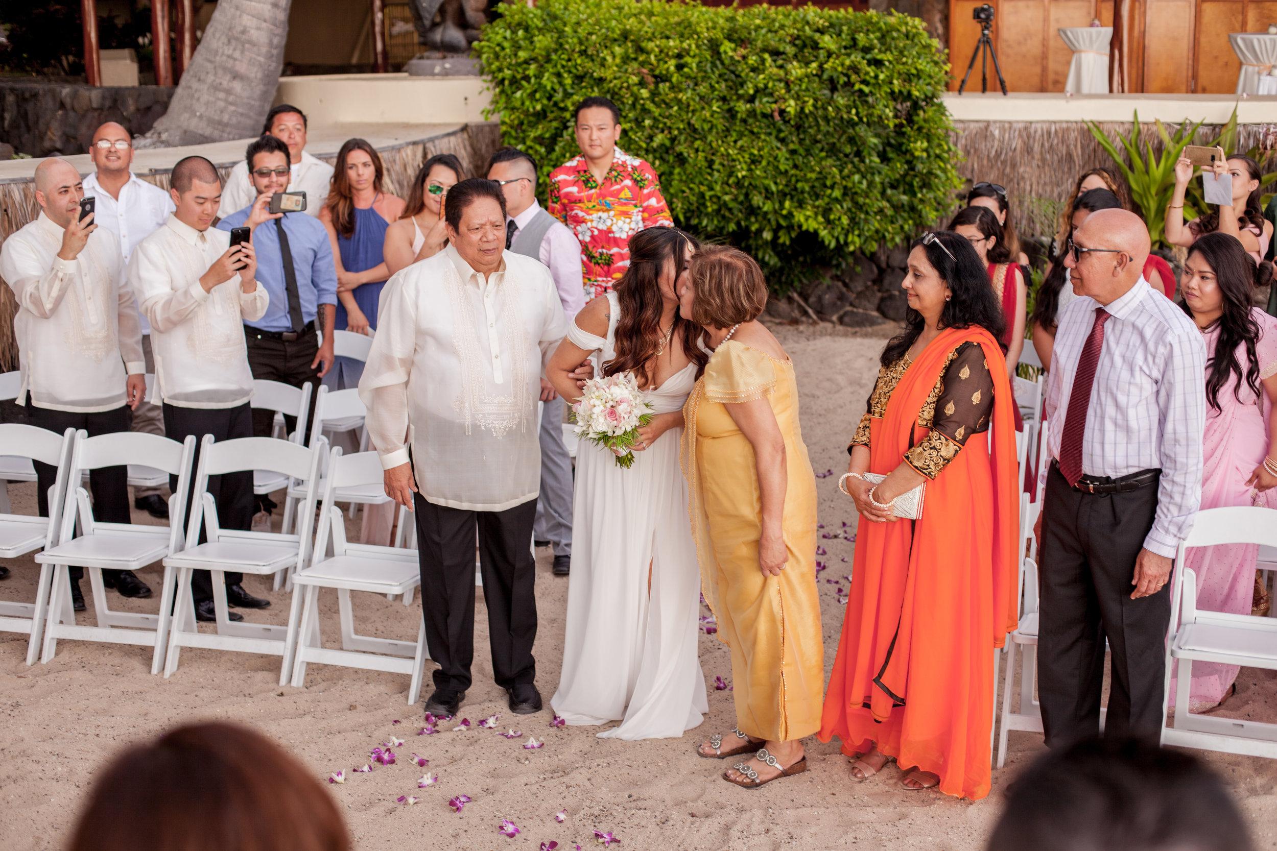 big island hawaii royal kona resort beach wedding © kelilina photography 20170615175158.jpg