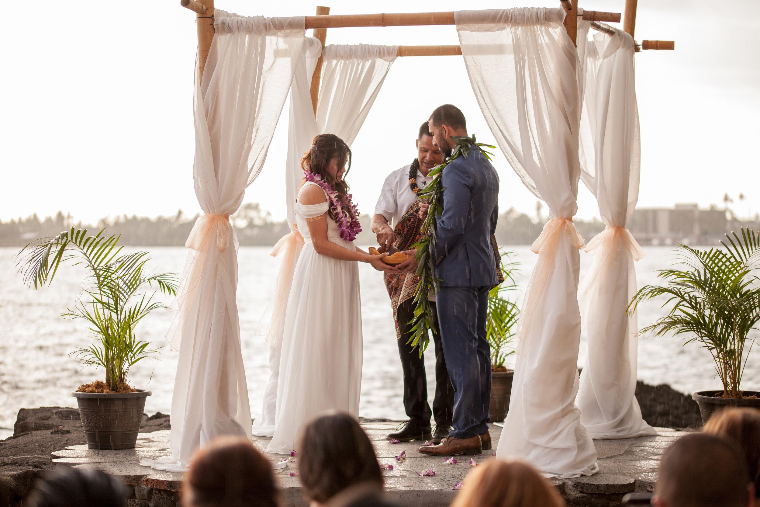 big island hawaii royal kona resort beach wedding © kelilina photography 20170615180025.jpg